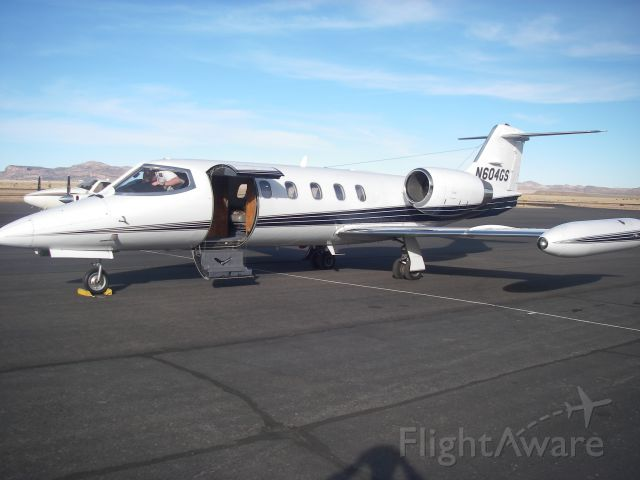 Learjet 35 (N604GS)