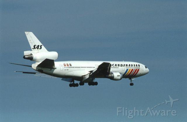 McDonnell Douglas DC-10 (SE-DFJ) - Final Approach to Narita Intl Airport Rwy16 on 1986/08/16