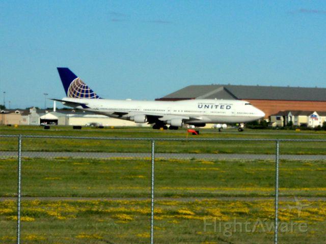 Boeing 747-400 (N120UA) - United 747-400 went to KFAR.