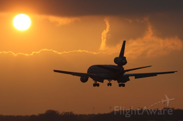 T235 — - Dutch AF KDC-10 landing at indhoven AB during sunset