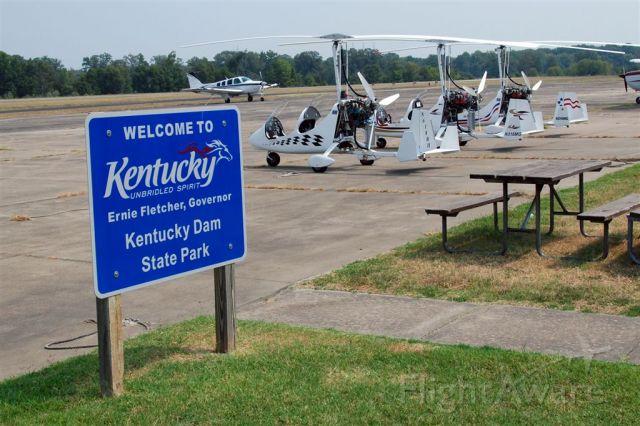 Unknown/Generic Ultralight autogyro (N216MG) - N216MG, N316MG, N612RH on the flight line at Kentucky lake airport