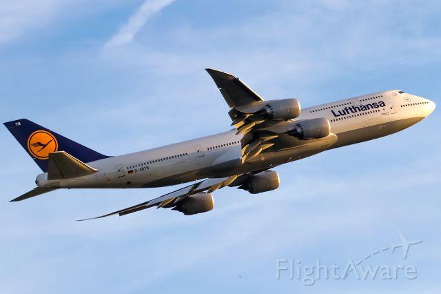 BOEING 747-8 (D-ABYN)