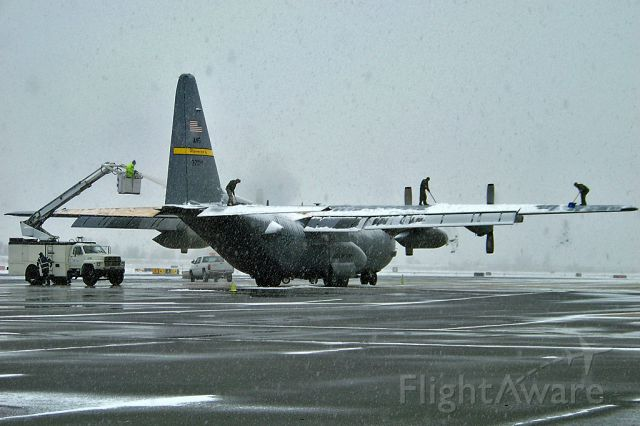 Lockheed C-130 Hercules — - Best time of the year, Winter! Interesting way of getting that snow off