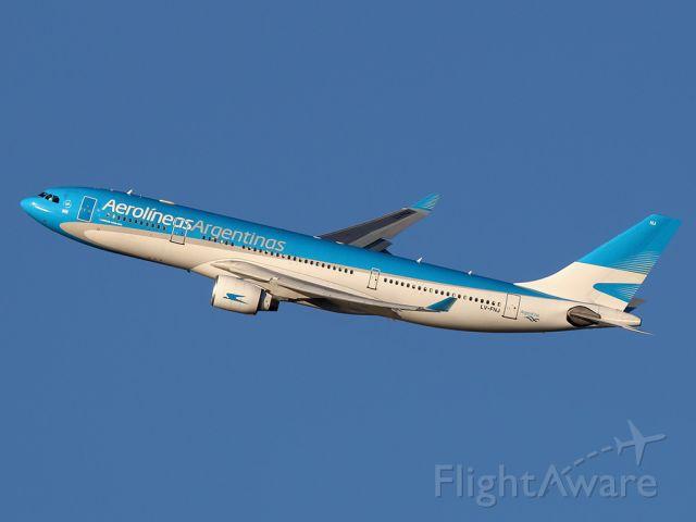 Airbus A330-200 (LV-FNJ)