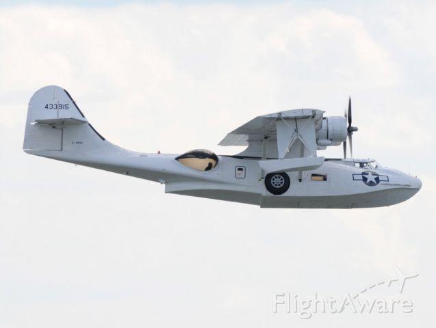 de Havilland Dash 8-400 (G-PBYA) - CATALINA  FLIES BY  WITH A CREW MEMBER IN THE BUBBLE