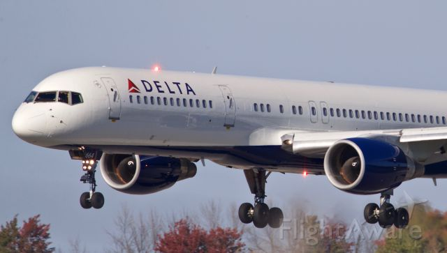Boeing 757-200 (N664DN) - Delta8947 Buffalo Sabres NHL hockey team charter flight to Ottawa