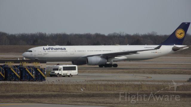 Airbus A330-300 (D-AIKG)