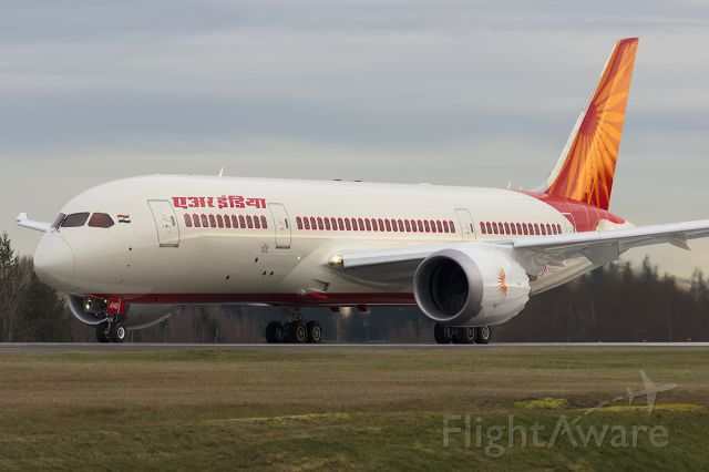 Boeing Dreamliner (Srs.8) (VT-ANB) - Air India Dreamliner VT-ANB ready to perform a high speed taxi test on Rwy 34L.