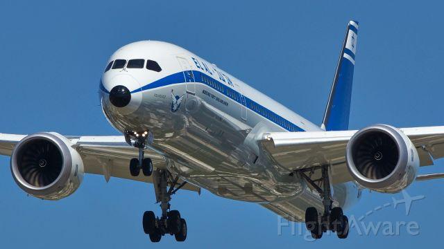 Boeing 787-9 Dreamliner (4X-EDF) - 13R approach.