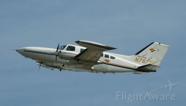 Cessna 402 (N7875E) - Take off at ESN.