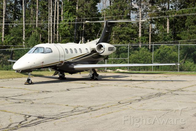 Embraer Phenom 300 (N368FX)