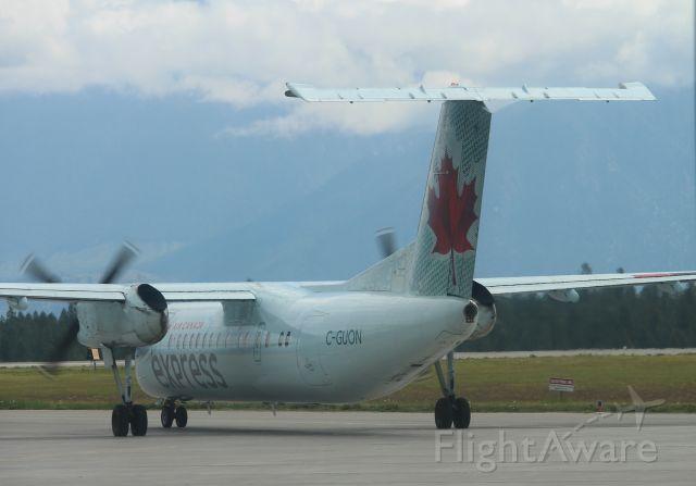 de Havilland Dash 8-400 (CQ-UON)