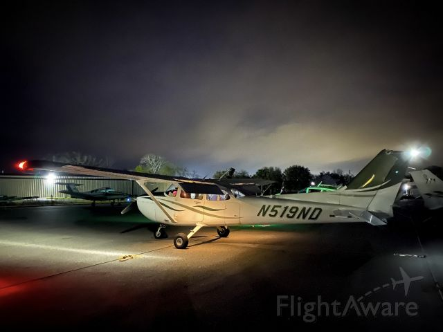Cessna Skyhawk (N519ND)
