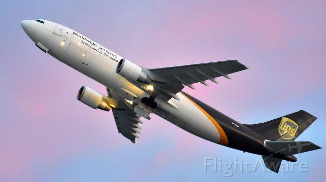 Airbus A300F4-600 (N122UP) - UPS Airbus A300F4-600 (N122UP) departs KRDU Rwy 23R on 6/02/2020 at 5:52 am.