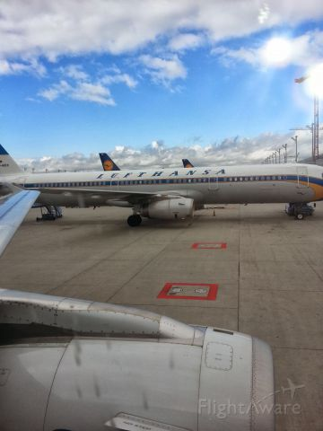 Airbus A321 — - Lufthansa A321 in retro-livery. Taken from an A319 after arrival in Munich.