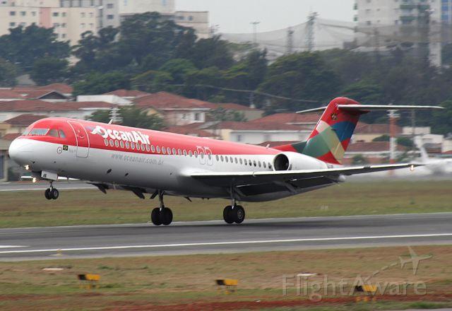 Fokker 100 (PR-OAE)