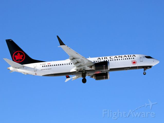 Boeing 737 MAX 8 (C-FSOI) - Quick spot to see the new Air Canada MAX!