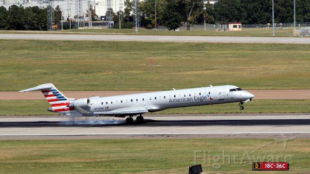 Canadair Regional Jet CRJ-900 (N558NN) - Touchdown on 18C