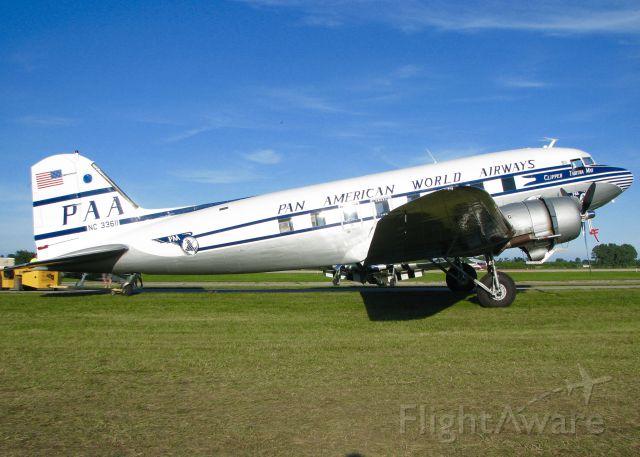 Douglas DC-3 (N33611) -  AirVenture 2016.