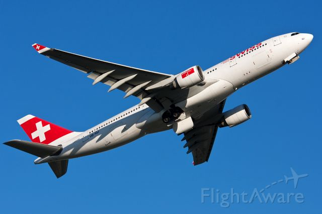 Airbus A330-200 (HB-IKJ) - Rotation from 24L
