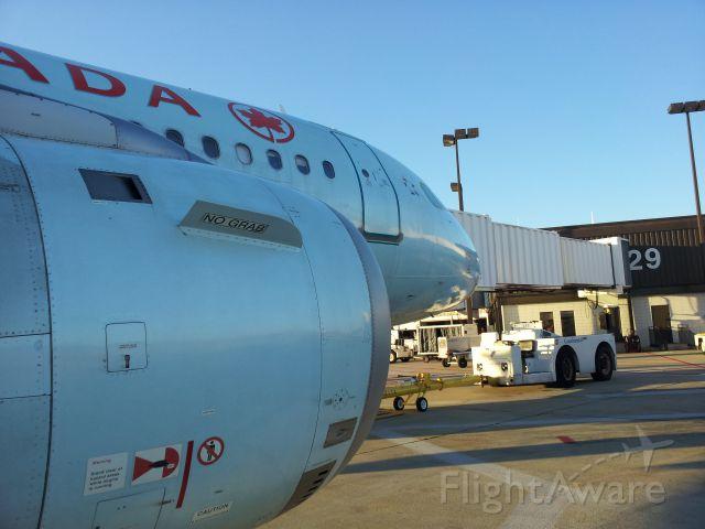 Airbus A319 (C-FYJI)