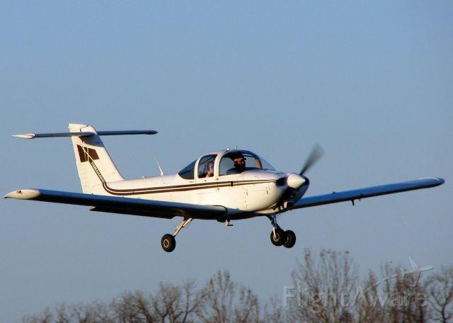 Piper Tomahawk (N9394T) - Landing on runway 14 at Shreveport
