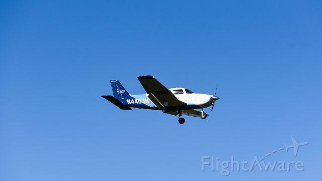 Piper Cherokee (N4403N) - landing on 04L