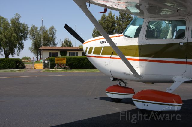 Cessna Skyhawk (N1416V)