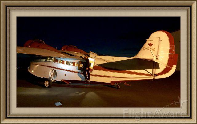 Grumman Goose (C-GYVG) - Back home in the dark
