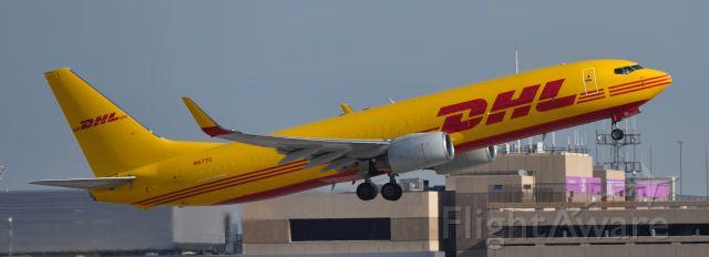 Boeing 737-700 (N67TC) - phoenix sky harbor international airport 08APR21