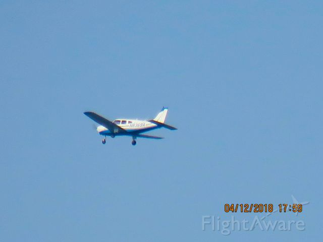 Piper Cherokee (N8369A)