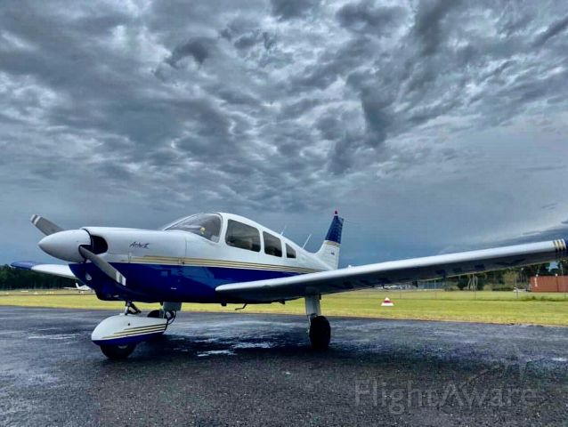Piper Cherokee (VH-JHX)