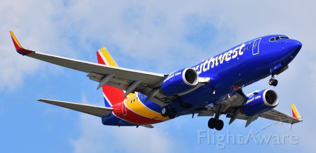 Boeing 737-700 (N467WN) - On approach to 23R, 7/15/18.