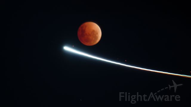 — — - While taking Red Moon Rising, a flying school aircraft (possibly Cessna or Piper) flew into range.