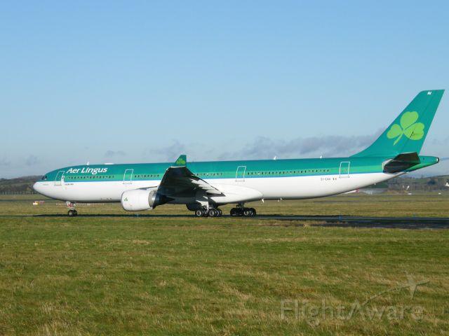 Airbus A330-300 (EI-EAV) - EI-EAV DEP EINN 08-12-10