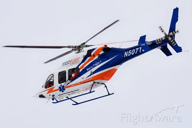 Bell 429 GlobalRanger (N507TJ) - 2017 Bell 429 GlobalRanger operated by Mercy Flight of Western New York (as Mercy Flight 7) departing from their base at the Buffalo Niagara International Airport (KBUF)