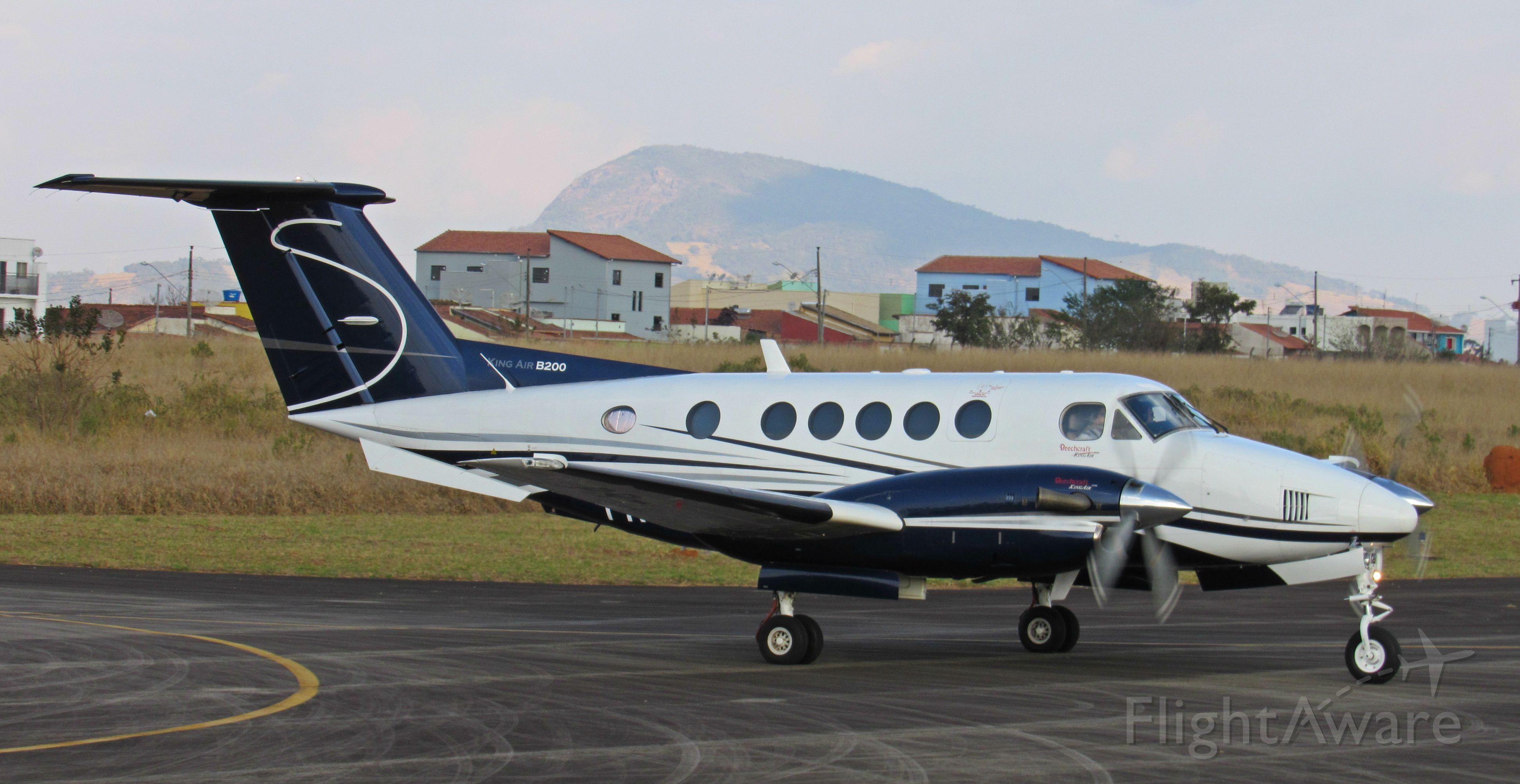 Beechcraft Super King Air 200 (PR-ATC)