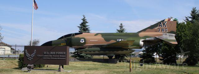 McDonnell Douglas F-4 Phantom 2 (64-0890)