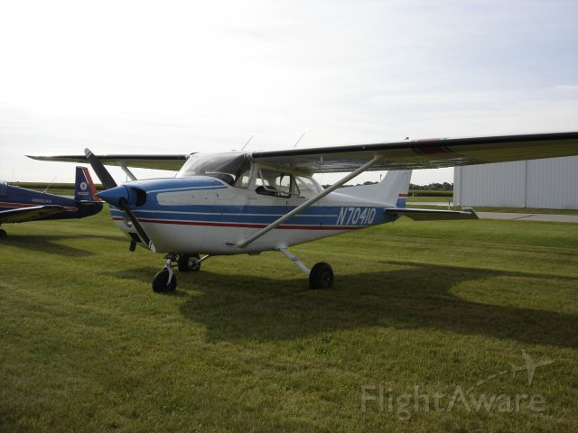 Cessna Skyhawk (N7041Q) - This is a Cessna 172L I saw at the Kindred Fly-in in 2012.