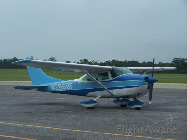 Cessna Skylane (N2868F) - Cute little blue Skyhawk.