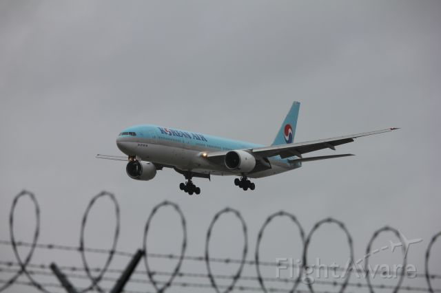 Boeing 777-200 (HL7721) - Spotting by 26R/08L. Koreans 772 coming from Seoul.