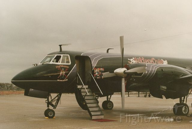 — — - Motley Crues G-1 at Million Air New Orleans Lake Front Airport. The Doctor Feelgood tour.