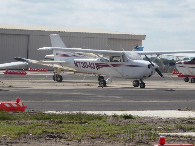 Cessna Skyhawk (N73043)