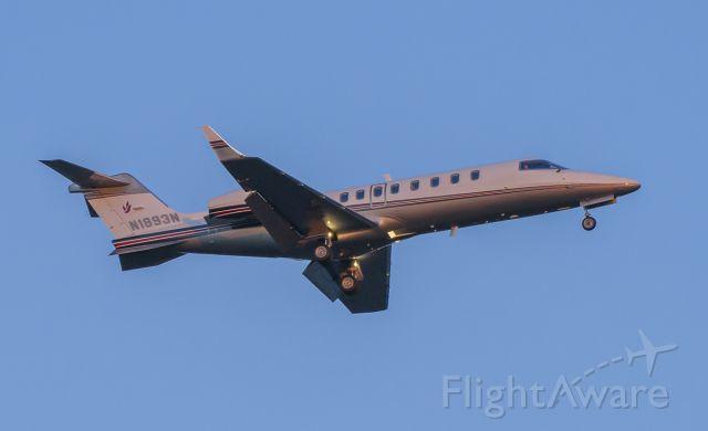 Learjet 45 (N1893N) - Arriving rwy 2L @KDPA.