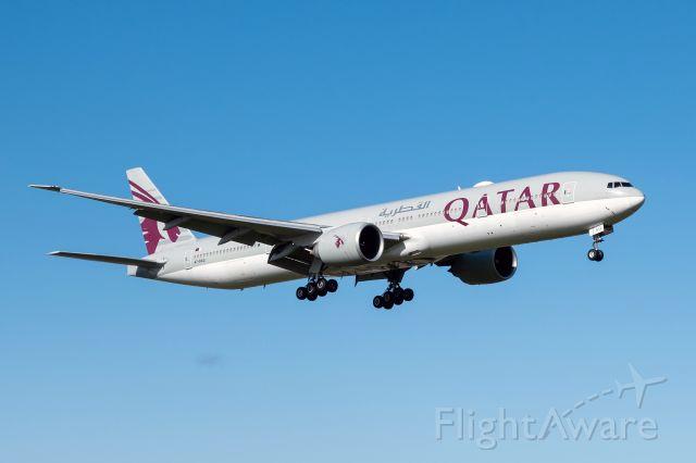BOEING 777-300 (A7-BAQ)