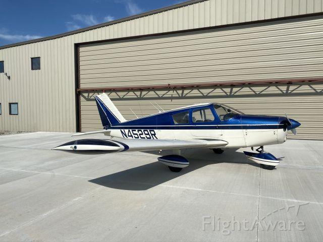 Piper Cherokee (N4529R)