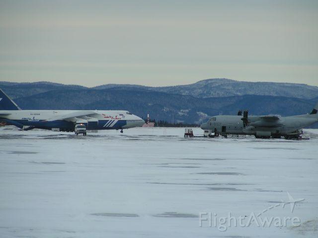 Antonov An-12 (RA-82068)