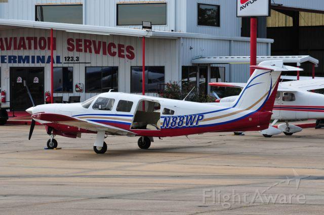 Piper Saratoga (N88WP)