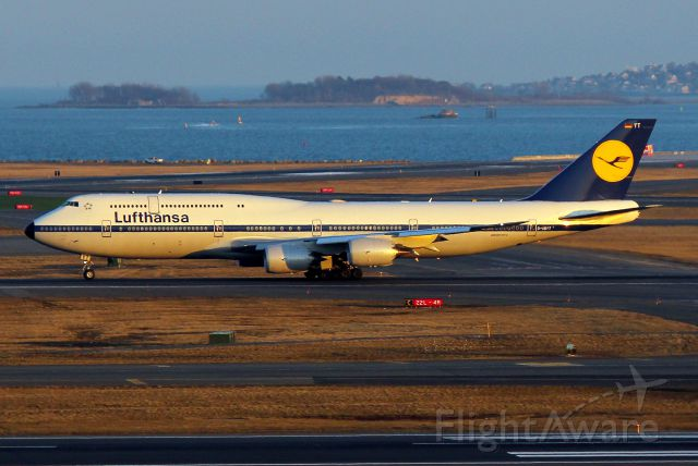 BOEING 747-8 (D-ABYT) - LH 423 to Frankfurt departing on 4R