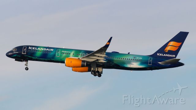 Boeing 757-200 (TF-FIU) - Aurelis Borealis , beter bekend als het Noorderlicht. Boeing 757-200 ICELANDAIR TF-FIU. Thanks IcelandAir for sending this one today at this sunnyday. Amsterdam 14-12-2014.
